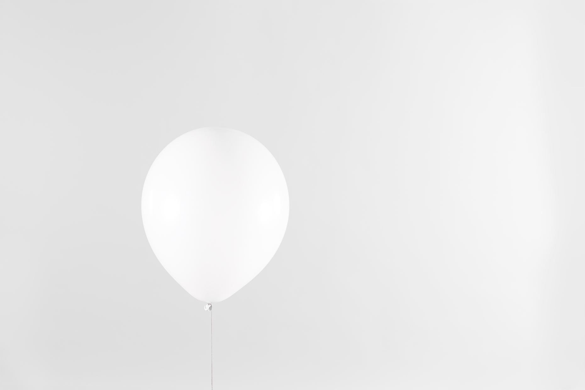 1_WhiteonWhite_Balloon